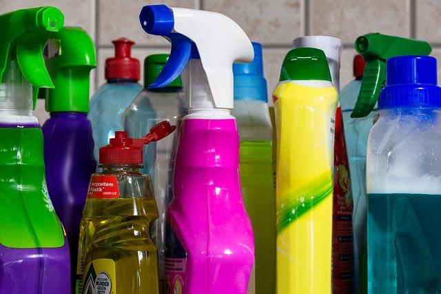 flacons produits désinfectants